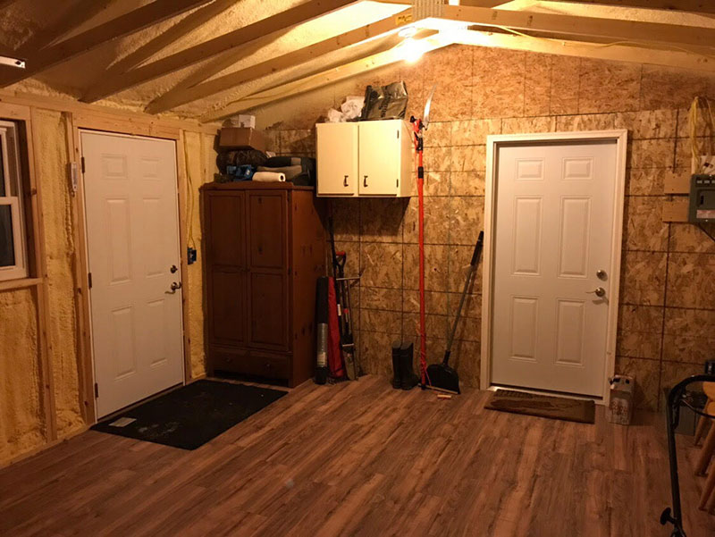 Garage for cabin