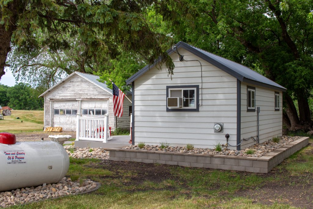 craft shed space finished with heat and electricity in minnesota