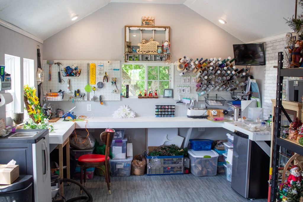 craft shed with a work bench in minnesota